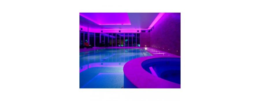 Ampoules et spots pour piscine kgt france for Ampoule pour piscine